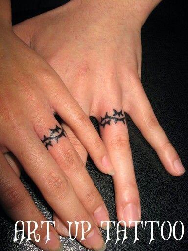 #tattoo #tokyo #ring #タトゥー #指タトゥー #リング #トライバル #女性彫師 #プライベートタトゥースタジオ #タトゥー個室 #東京 #日野 #立川 #八王子 #アートアップタトゥー