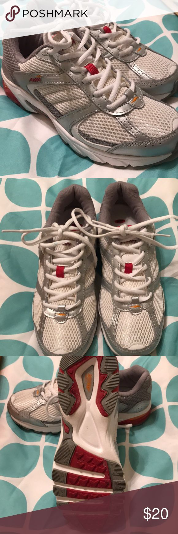 Avia Sneakers EUC Running sneakers. No marks. Tread is barely touched. Warm maybe 3 times. Excellent condition! Avia Shoes Sneakers