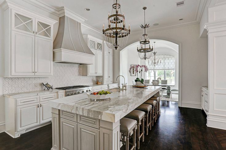 24 Head-Turning Ideas For A Traditional Kitchen Interior