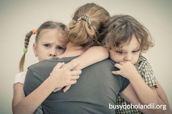 Niemcy odbierają Polkom dzieci. Ostatnia nadzieja w premier Szydło  _____________________________ Prosimy o udostępnienie posta, abyśmy mogli utrzymać zasięgi wiadomości http://busydoholandii.org/jugendamt-odbiera-polkom-dzieci/