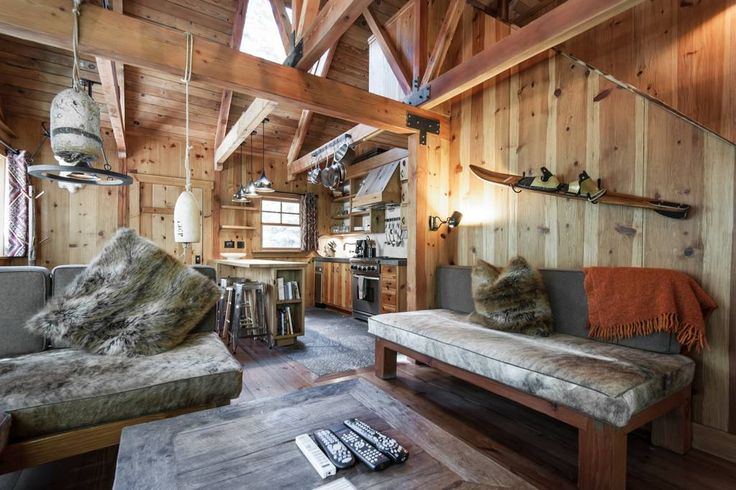 "in Tahoe City, US. IMPORTANT - All Rates Include a 10% Tax and a $59 Damage Waiver.  No additional charges will be applied upon booking, with exception of $70 dog fee, if applicable.   Sunnyside Cottage is the perfect ""Little Tahoe Cabin"". This quintessential Tahoe ..."