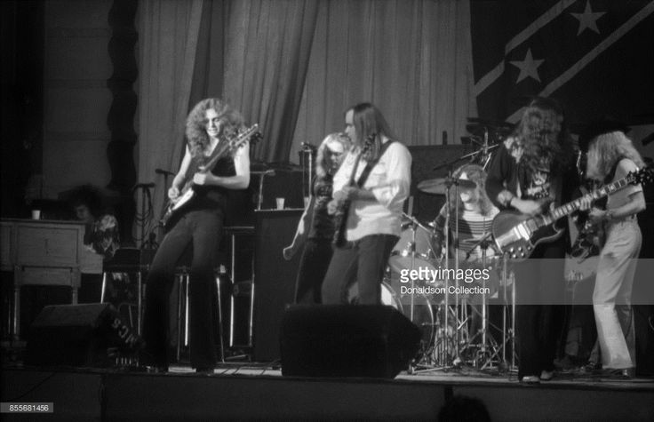News Photo : Billy Powell, Allen Collins, Ronnie Van Zant, Ed...