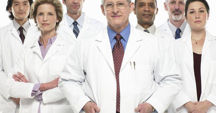 Os sintomas de hipertensão renovascular e taquicardia. A hipertensão renovascular é um tipo de pressão arterial elevada. Partindo de que a ocorrência é devido a uma condição no corpo, é considerada hipertensão secundária. O endurecimento ou estreitamento da artéria renal, causa esse tipo de pressão sanguínea elevada. Há muitos sintomas e cada um é consistente com a pressão arterial elevada.