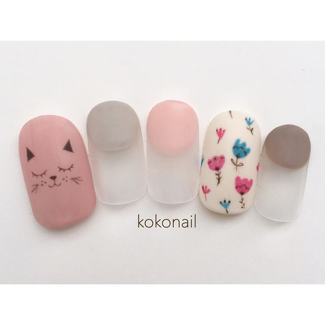 Cat and flower nails