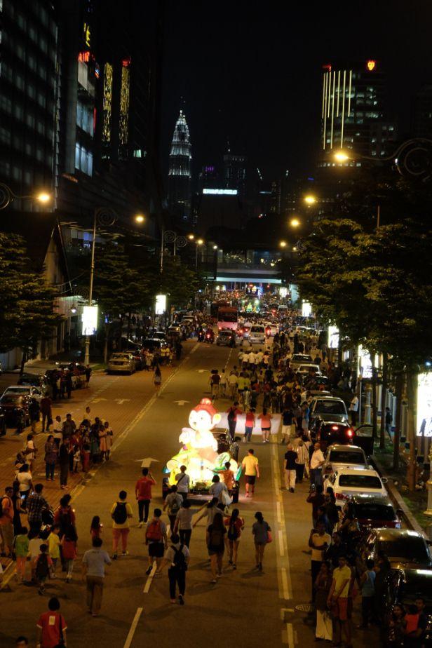 Wesak Day, czyli parada tysiąca lotosowych świec – Zu in Asia – Blog o Malezji
