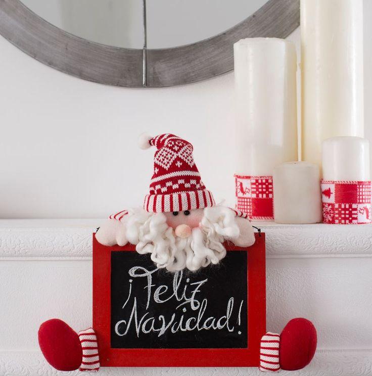 Escribe tu particular mensaje navideño en esta pizarra decorativa, ¿qué te parece colgarla en la puerta de entrada, o en el recibidor, para dar la bienvenida a tus invitados durante estas fiestas?