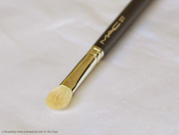 A Shopaholic: MAC Blending Brush 217 : Photos, Review, EOTD