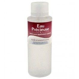 L'eau précieuse pour l'acné juvénile ....reépinglé par Maurie Daboux .•*`*•. ❥