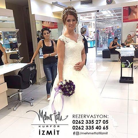 Dünyanın en seçkin saç bakım markalarını, İzmit'in tek prestijli markası Mehmet Tatlı' da bulabilirsiniz Bilgi ve Rezervasyon 0262 335 27 05 - 0262 335 40 65 #hair #beauty #saç #makyaj #mehmettatlıizmit #mehmettatlı #gelinsaçı #cool #blonde #sarışın #sarısaç #saçbakım #kerastase #haircare #weddinghair http://turkrazzi.com/ipost/1516151881603722428/?code=BUKdBp4h6y8