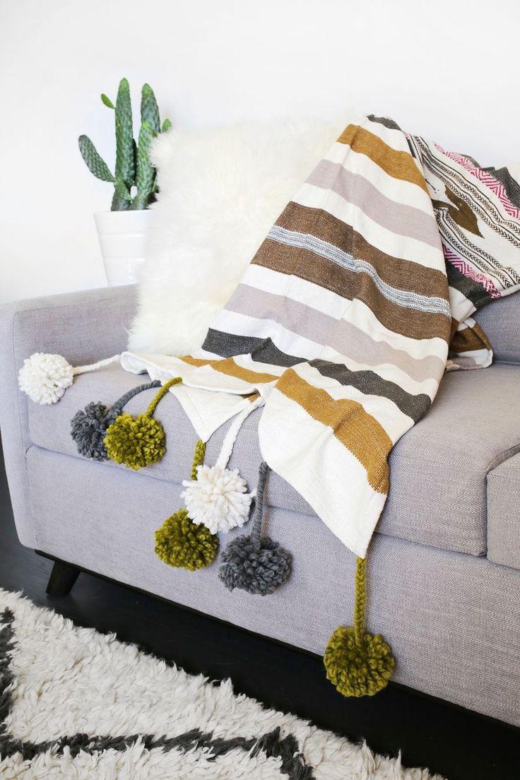 DIY: pom pom blanket: