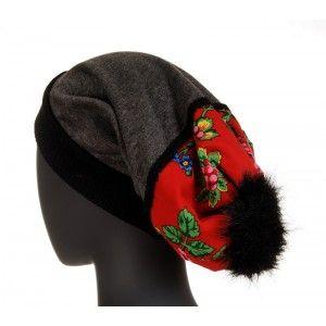 Folk Design - wyjątkowa czapka z włochatym pomponem