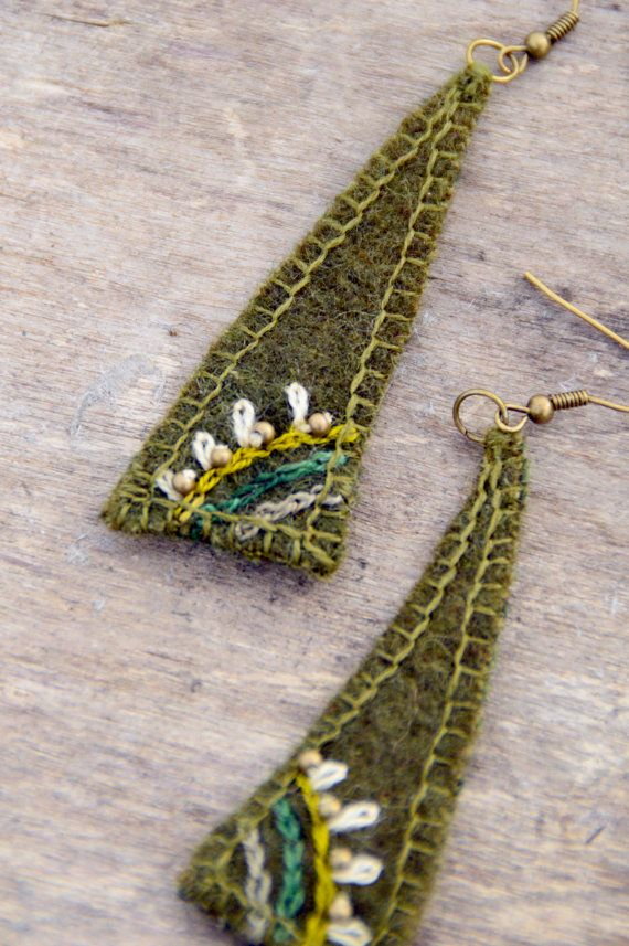 Ethnic olive green textile earrings. Natural and eco by Mioltu