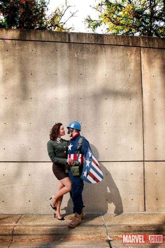 New York Comic Con 2011: Peggy Carter and Captain America Cosplayers