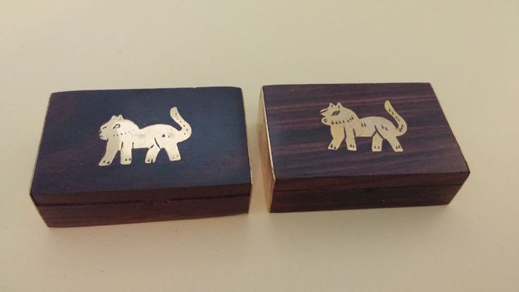 HAND CARVED WOOD BRASS PILL TRINKET BOXES Made in India Lion Cat Small Set of 2