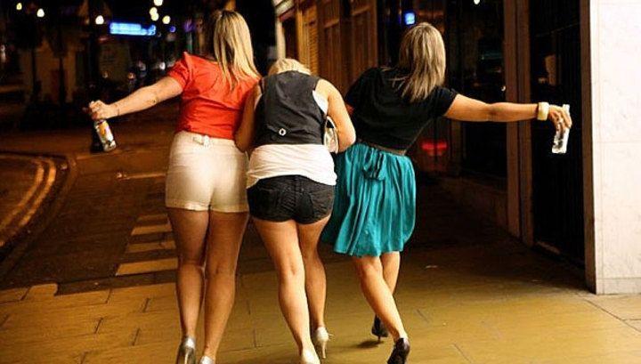 Le serate tra donne sono meravigliose o no? Ecco quali sono gli argomenti che si trattano! E tu come passi le tue serate tra donne? SEGUICI ANCHE SU TELEGRAM: telegram.me/cosedadonna
