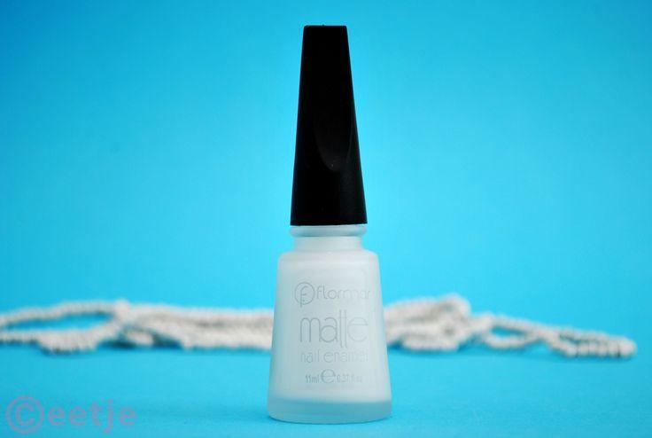 White board matte witte nagellak van Flormar - Ceetje