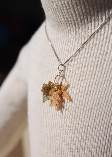 Tiny Shrinky Dink Leaves Necklace, tutorial