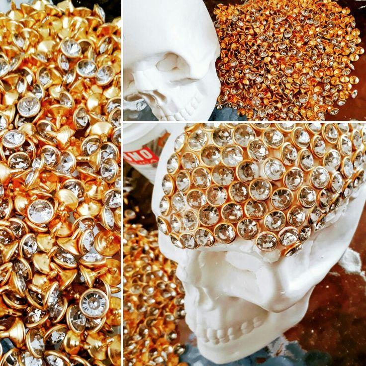 ❤#ideas #instagood #instalike #life #love #like4like #likeforlike #apoyandolonuestro #alaventa #alcancias #instarepost20 #instarepost #mexico #mexicolindo #cdmx  #garden #guarden #lifestyle #surprise #piggy #piggybank #diamonds #calavera #hunter #artesania #calaveramexicana #brillantin #di #diamonds #pic
