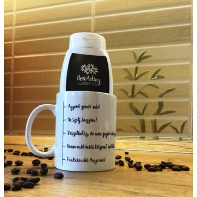 Egy csomag, ami garantáltan feldobja a legszürkébb reggelt is a legnehezebb éjszaka után :)  Az SOS Csomag anyukáknak tartalma: 1 db HerbArting kávés tusfürdő 250 ml 1 db HerbArting kávés bögre A HerbArting kávés tusfürdő igazi anyabarát tusfürdő 3 az 1-ben: Bőrradírozás, tisztítás és táplálás egyetlen lépésben. Az elhalt hámsejtek eltűnnek, csökkennek a csíkok és a gödrök, miközben kényezteti és lággyá teszi a bőrödet.