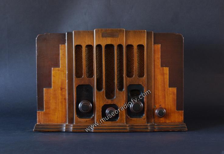Art Deco Skyscraper Radio (c.1930)