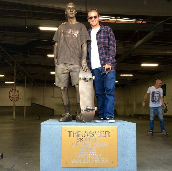 Thrasher ha appena annunciato il nuovo Skater of the Year 2015, Anthony Van Engelen. AVE ha avuto un'intervista suThrasher nei primi mesi dell'anno, e nel mese di aprile è uscita la s…