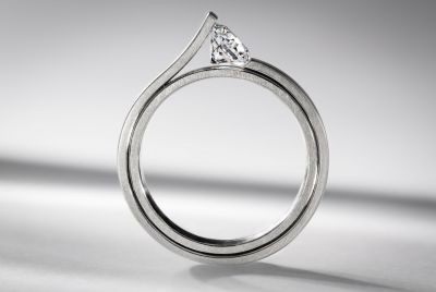 Platinum, diamond and ruby engagement ring by Satoru #satoru