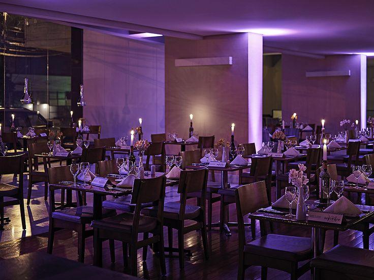 Carolina Restaurante - Hotel Mercure - Setor Oeste - Goiânia. O Restaurante Coralina oferece o melhor da cozinha internacional com um toque da culinária,,,