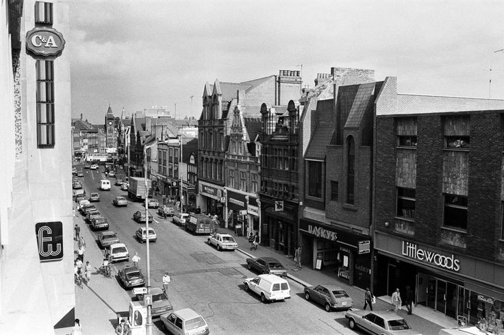We take a trip down memory lane to the 1980s in Reading town centre, and dug out these snaps from our archives