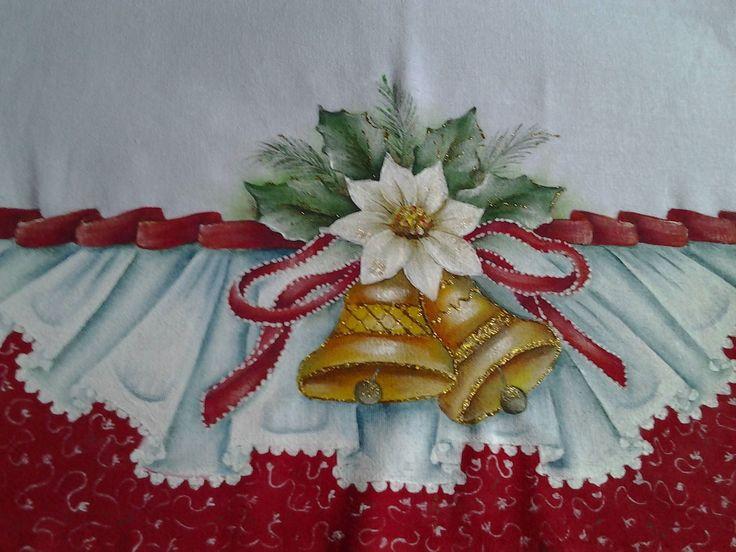 pano de prato com barrados falsos em tecido estilotex, todos pintados a mão, imitando tecido com babados. Motivos Natalinos. Acima de 10 frete grátis