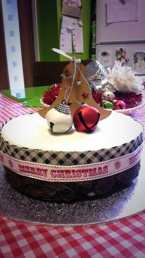 My 2014 Christmas cake simply decorated. Love this! Am I allowed to say that?: