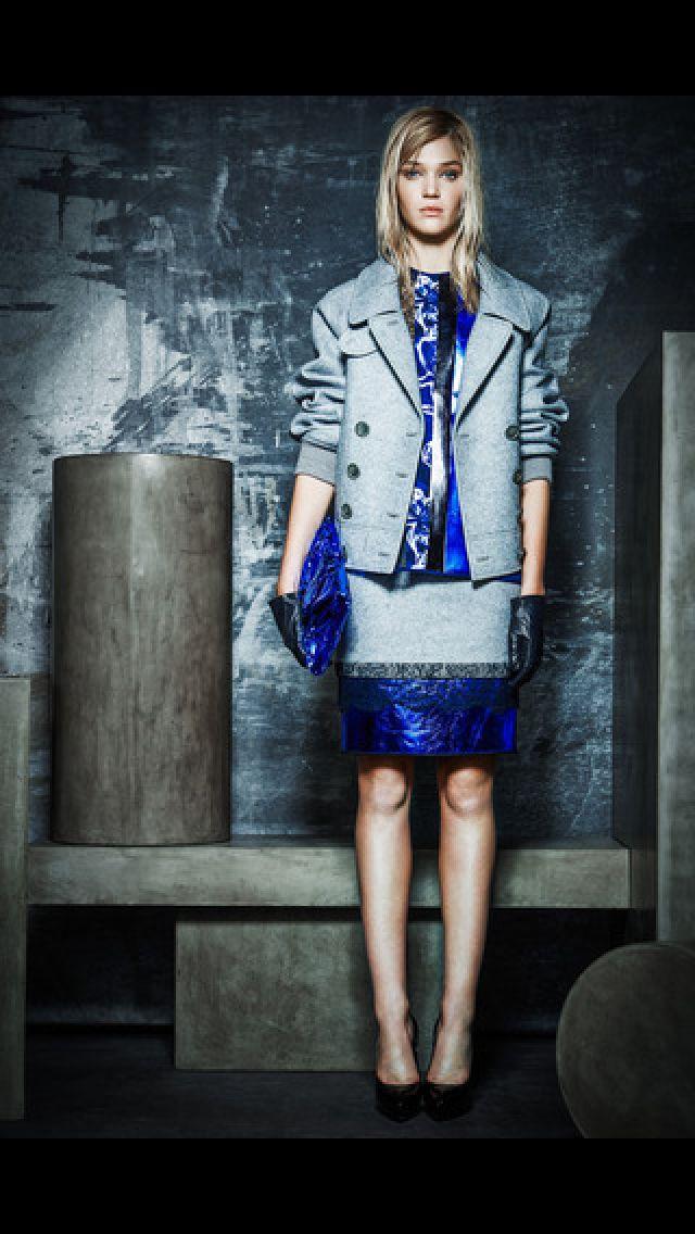 Azul y gris en Rachel Roy