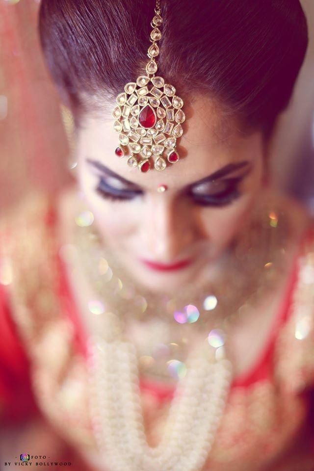 Amazing tikka! Photo by Vicky Bollywood, Indore #weddingnet #wedding #india #indian #indianwedding #weddingdresses #mehendi #ceremony #realwedding #lehengacholi #choli #lehengaweddin#weddingsaree #indianweddingoutfits #outfits #backdrops #groom #wear #groomwear #sherwani #groomsmen #bridesmaids #prewedding #photoshoot #photoset #details #sweet #cute #gorgeous #fabulous #jewels #rings #lehnga
