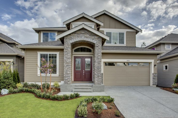 Beautiful front view of the Astoria home found in Sammamish, Washington