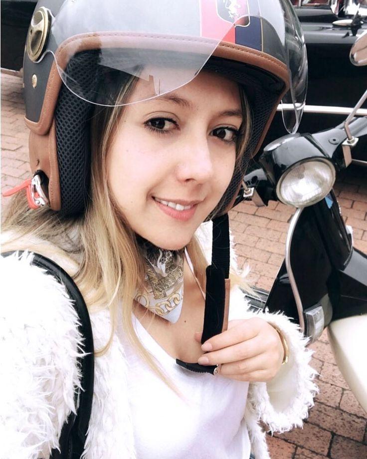 ... Weekend. #Vespa #motorcycle #lovevespa #Bogota #afterwork #couple #piaggio