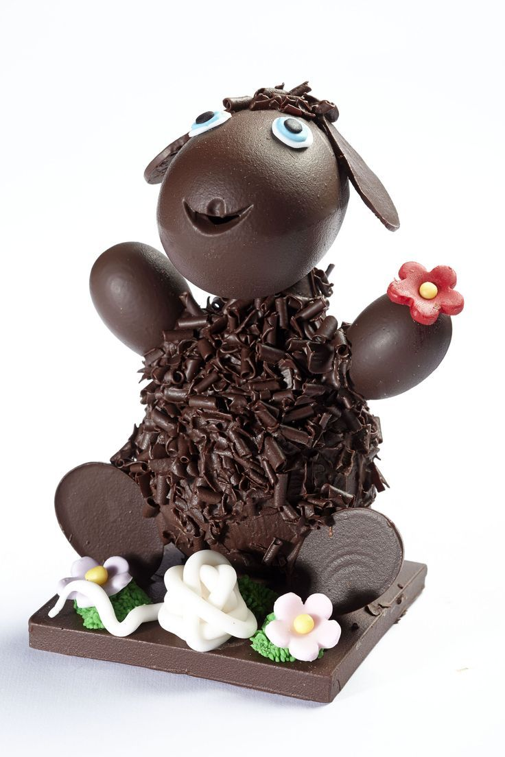 102 best oeufs en chocolat images on pinterest chocolate easter eggs easter and easter eggs. Black Bedroom Furniture Sets. Home Design Ideas