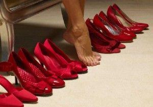 Zapatos Rojos, nuestras referencias te permiten diseños insuperables. #sutex #leather #textiles #moda #trend #rojo