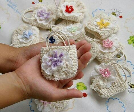 crochet recuerditos | Bolsitas de recuerdos a crochet