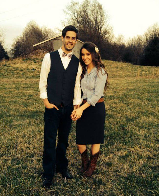 See Jill Duggar's Engagement Ring and Engagement Pics (and Find Out Her Wedding Date!) - The Knot Blog