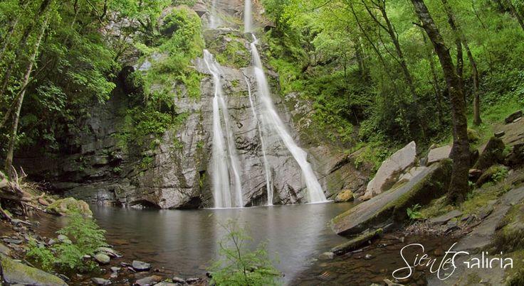 La Cascada de Vilagocende es conocida por ser la segunda cascada más grande de #Galicia y se situa en el municipio de A #Fonsagrada #Lugo #SienteGalicia     ➡ Descubre más en http://www.sientegalicia.com/