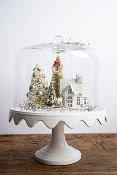 Christmas cake stand cloche