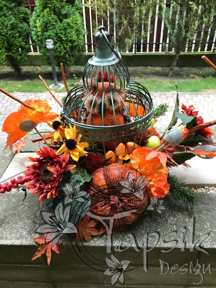 Fall Birdcage centerpiece. Started to decorate for fall. And so i tried to decorate something new for me. A birdcage. In the fall colors, with a cute owl, pumpkins, apples, pears, flowers and greenery.