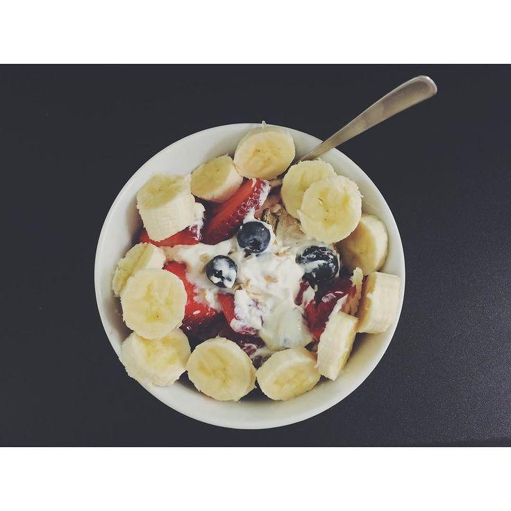 Breakfast noms - Greek yoghurt muesli strawberries blueberries and banana. Killin' it!   #mealprep #mealprepping #mealplanning #foodprep #fitfam #fitspo #fitness #fitnessgirls #weeklyfoodprep #weeklymealprep #health #healthyeating #healthyliving #nutrition #EatCleanTrainDirty #mealprepsunday #getfit #gethealthy #eatclean #cleaneating #instafit #bodybuilding #gymlife #fitnessaddict #fitnessfreak #fitlife #bodytransformation #weightloss #inspo #instahealth by kristie_litchfield