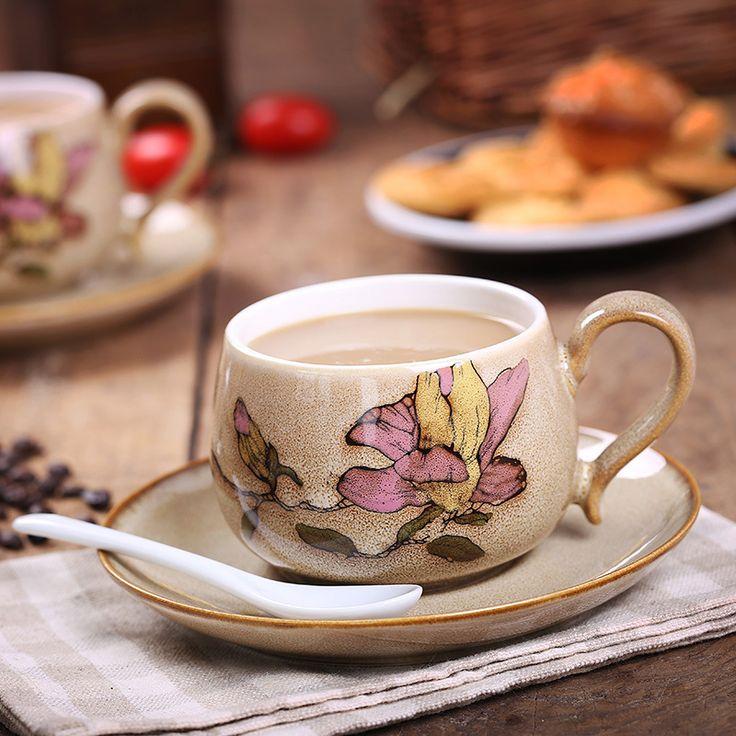 Высокое качество низкая цена alibaba оптового рынка закупок ручная роспись кофейную чашку и блюдце набор с ретро керамическая кружка подпрограммы обработки пользовательских подарочные коробки печатный логотип KFB1, чашка кофе, собрались здесь многочисленные поставщиков, покупателей, производителей. Это ручная роспись кофейную чашку и блюдце набор особенности старинные керамическая кружка суб-обработки пользовательских подарочные коробки печатный логотип компании KFB1 странице сведений…