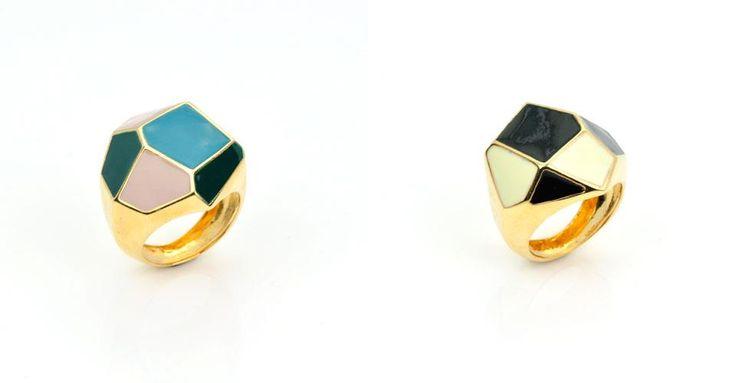 anelli in bronzo dorato con smalto a fuoco