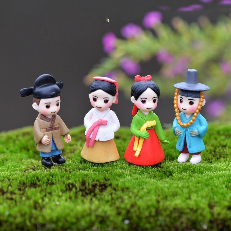 1Pcs Korea Couple Lover DIY Resin Fairy Garden Craft Decoration Miniature Micro Gnome Terrarium Gift F0053