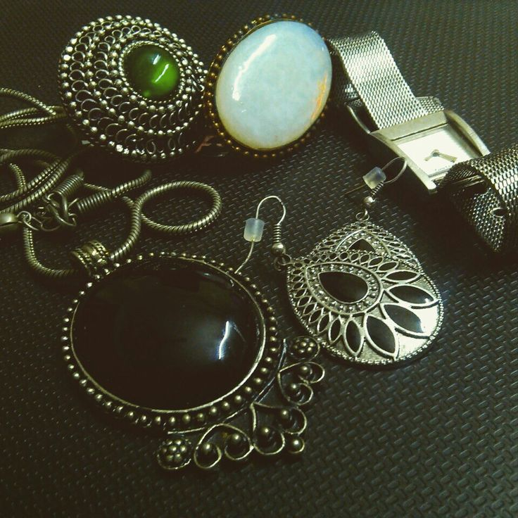 Junk jewelry love!