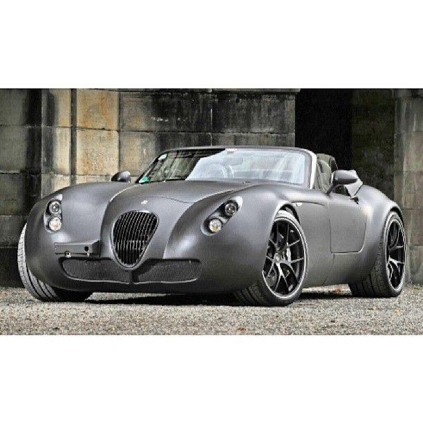 Classy Wiesmann MF5 Roadster