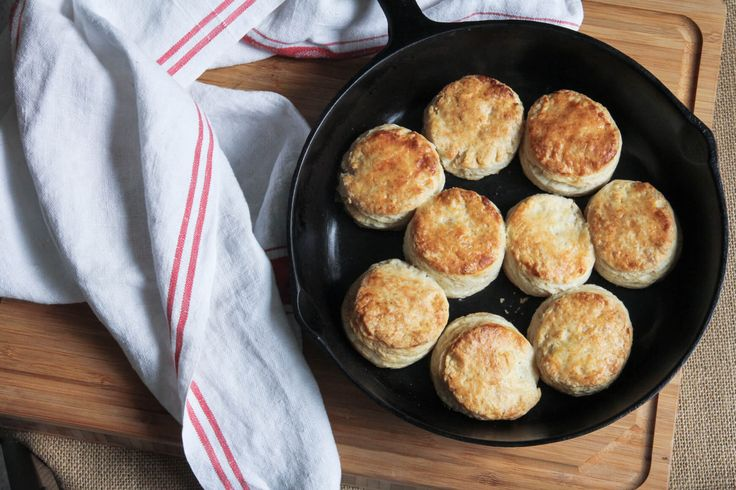 5 essential tips to make perfect buttermilk biscuits from scratch on Jess Pryles