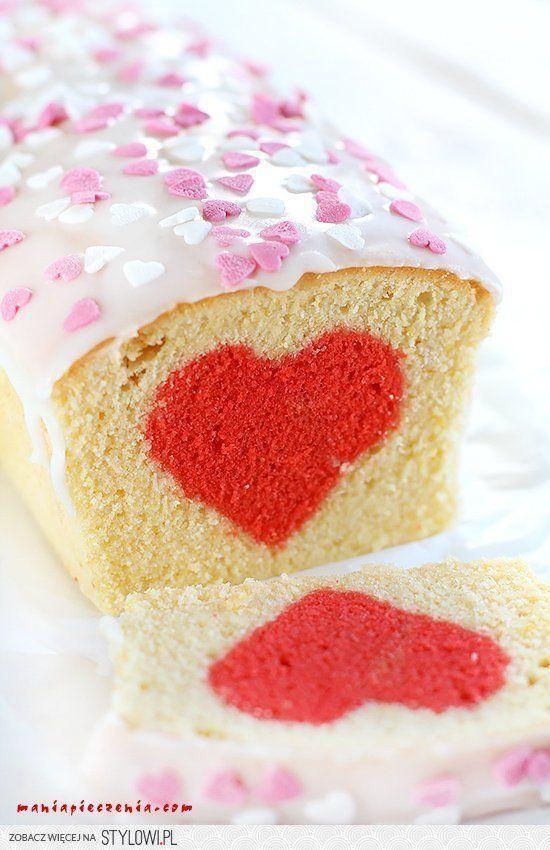 maniapieczenia.com: Walentynkowe ciasto z sercem niespo… na Stylowi.pl