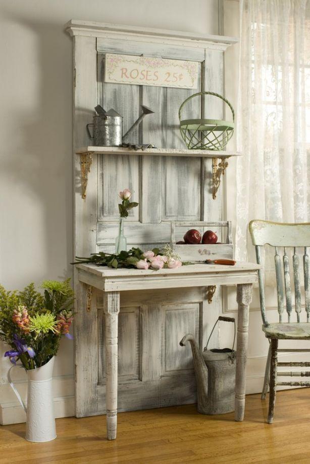 oude deur en tafeltje kan ook voor in de tuin